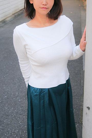 【京香】美巨乳美人妻